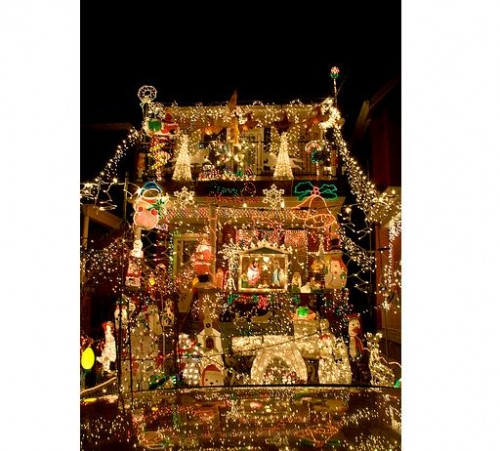 - Paying For Christmas Light Hanging Service? Absurd